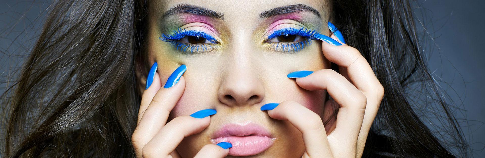paznokcie-krakow-blue-woman